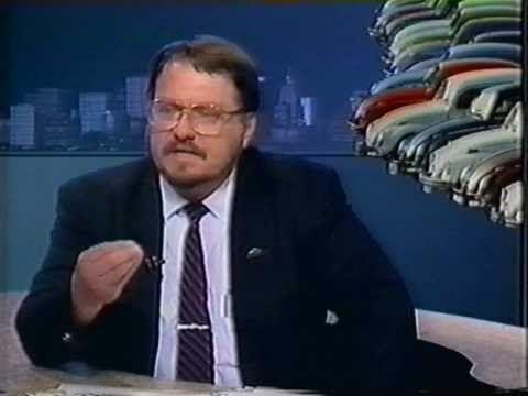 GRAVADO DIA O2/O3/1993!!!  Alexander Gromow no Programa AUTOMÓVEIS, 02/03/1993, TV Jovem Pan canal 16 em UHF (falida). O cenário era a volta do Fusca às linhas de fabricação por solicitação do Presidente Itamar Franco e a imprensa era francamente contrária a isto. A Volkswagen, então Autolatina, não aceitava participar de entrevistas.  Inicialmente o Alexander Gromow não aceitou participar. O convite só foi aceito sob a condição de se falar como representante de um clube de aficionados...