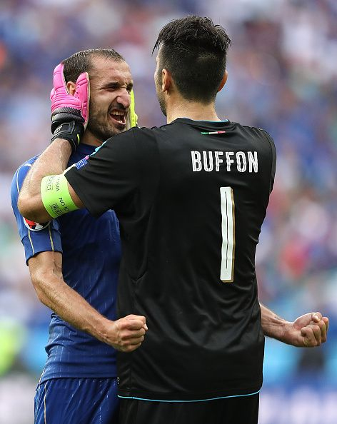 #EURO2016 Gianluigi Buffon of Italy celebrates with Giorgio Chiellini at the end of the UEFA Euro 2016 Round of 16 match between Italy and Spain at Stade de...