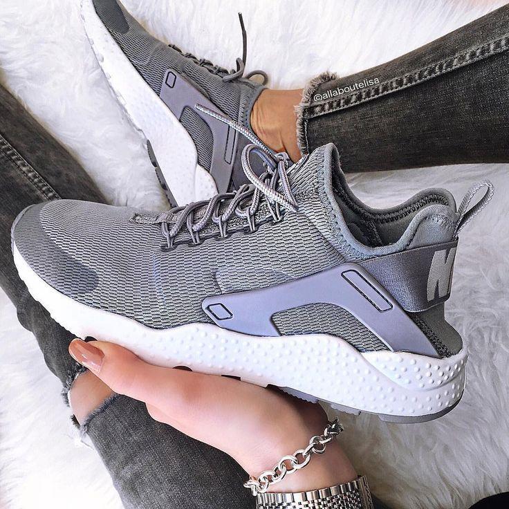 Sneakers femme - Nike Air Huarache Ultra (©allaboutelisa)