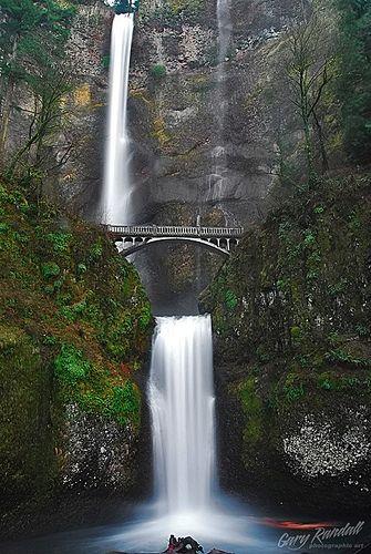 Multnomah Falls, on the Historic Columbia River Highway, Oregon.