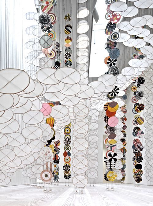 "Jacob Hashimoto's ""Silence Still Governs our Consciousness""  batixa:    (via moleskine.: suspended objects.)"