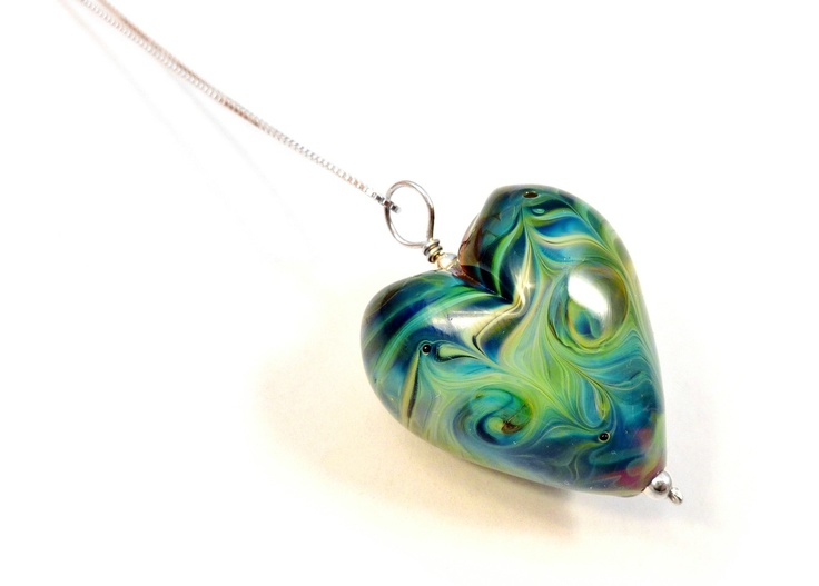Handmade venetian glass heart pendant from Kin Kin Beads <3