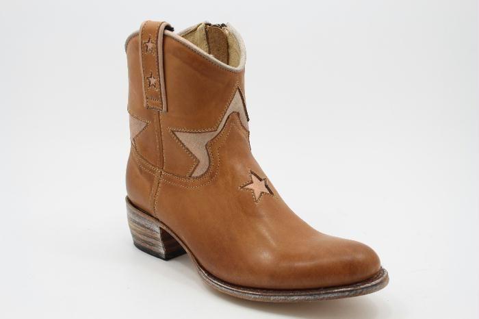 Sendra star bootie in Cognac Leather