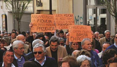 Crac Deiulemar, le mille facce del dramma di 13.000 famiglie. Due anni di calvario tra suicidi e morti-choc