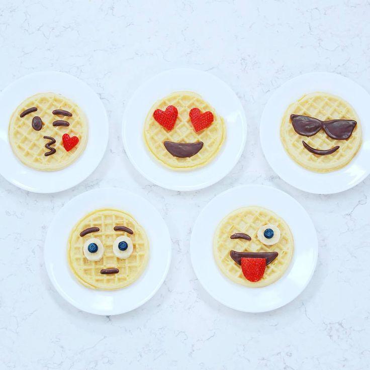 How to Make Emoji Eggo Waffles
