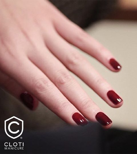 En #Cloti te ofrecemos naturalidad y bienestar en tus uñas, por eso te recomendamos la aplicación de esmalte en tus uñas naturales, no olvides que los productos que utilizamos contienen vitaminas y proteínas que le darán a tus uñas todo lo que necesitan. <3 #Cloti #ClotiMóvil #Manicure #ClotienCosmopol