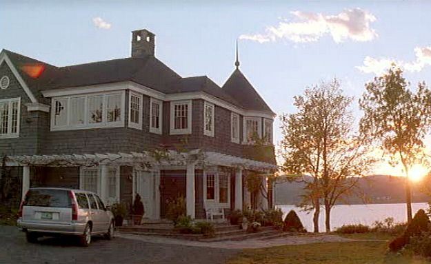 What Lies Beneath house in Vermont. Too bad it was made for the movie then torn down after