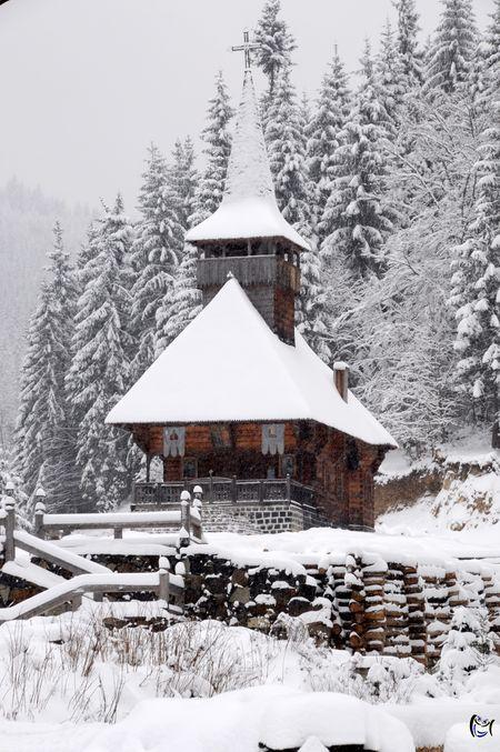 Wooden church in Budeşti, Maramures, Romania