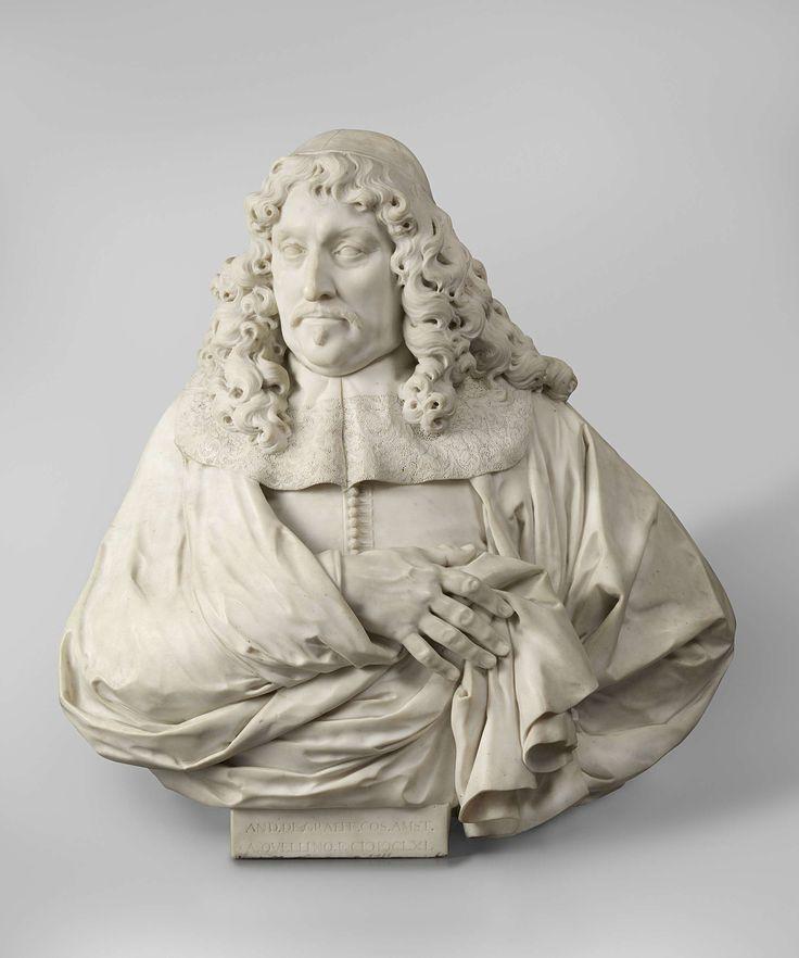 Artus Quellinus (I)   Portrait of Andries de Graeff, Artus Quellinus (I), 1661   De kop met hangsnor en imperiale is iets naar links gewend; de rechterhand wordt voor de borst gehouden, de linker in de zij. Een kalotje rust op de pruik, waarvan de krullen tot op de brede kraag neerhangen. De mantel, die schouder en armen geheel bedekt, is naar rechts toegeslagen en wordt voor de borst met de rechterhand opgehouden, zodat slechts een klein deel van de met knoopjes gesloten wambuis zichtbaar…