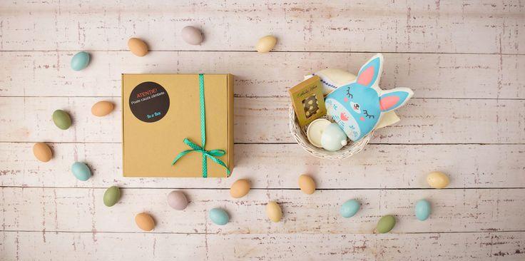 Lucrurile din cutia Semn de Sărbătoare sunt creații autohtone, lucrate cu migală și cu gândul de a aduce bucurie celui ce le va avea în grijă.
