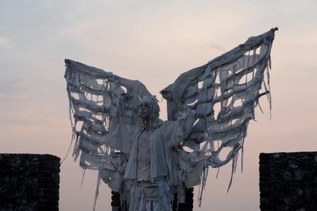 Lonato in Festival Artisti di strada e incanti dal mondo - L'Angelo