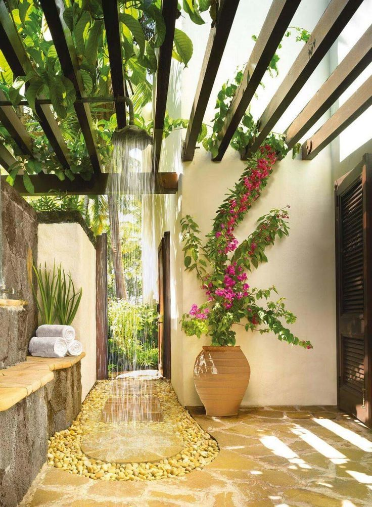 Stunning outdoor showers that will leave you invigorated
