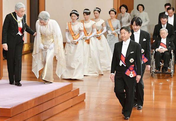 Newmyroyals: New Year's Reception, Tokyo, January 1, 2017-Emperor Akihito, Princess Michiko, Princess Kiko, Princess Mako, Princess Kako, and Princess Hanako; front-Crown Prince Narahito, Prince Fumihito and Prince Masahito