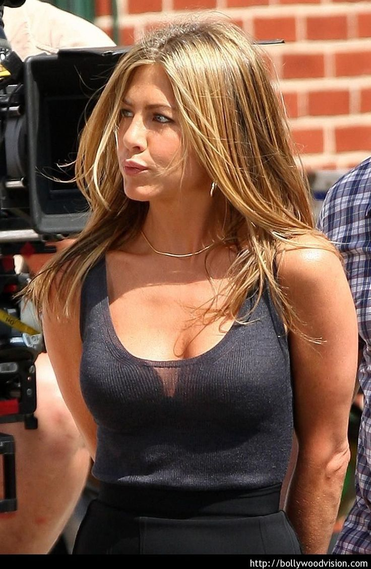 Jennifer aniston boobs bouncing, Porn sex couples