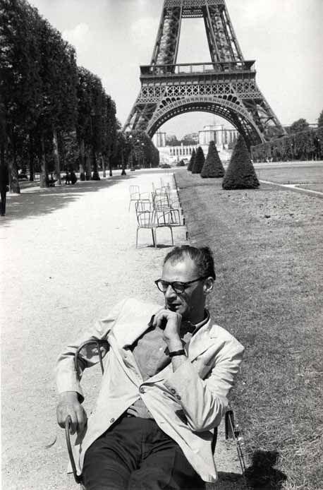 Arthur Miller, Champs de Mars, 1963.    Photo by Inge Morath: Inge Morath, Artists, Vintage Photos, Photos People, Arthur Miller, 1963 Photo
