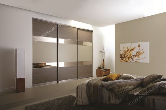 Встраиваемый шкаф купе с комбинированными дверьми - примеры готовых работ от компании CupeDoors || CUPEDOORS