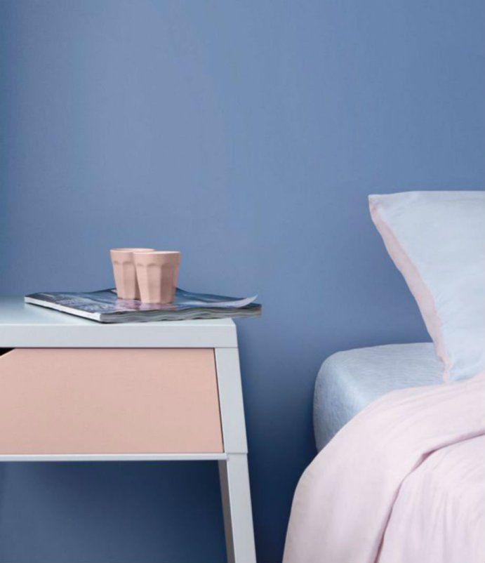 Το αρχοντικό μπλε παστέλ είναι τέλειο για ένα γαλήνιο υπνοδωμάτιο.