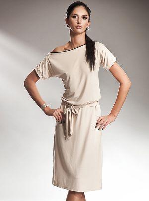 Rochie lejera din vascoza, de culoare crem - Rochie lejera din vascoza, de culoare crem, in stilul retro al anilor 80. Are maneci scurte, este decoltata barcuta si are decolteul bordat cu fermoar. Fusta este putin incretita in talie, se incheie cu cordon, iar partea de sus cade putin bluzata. Este o rochie practica, lejera, pe care o poti purta atat la birou cat si in timpul liber. Colectia Rochii office de la  www.rochii-ieftine.net