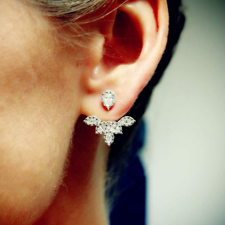 That is one heck of an earring design! #diamonds #quirky