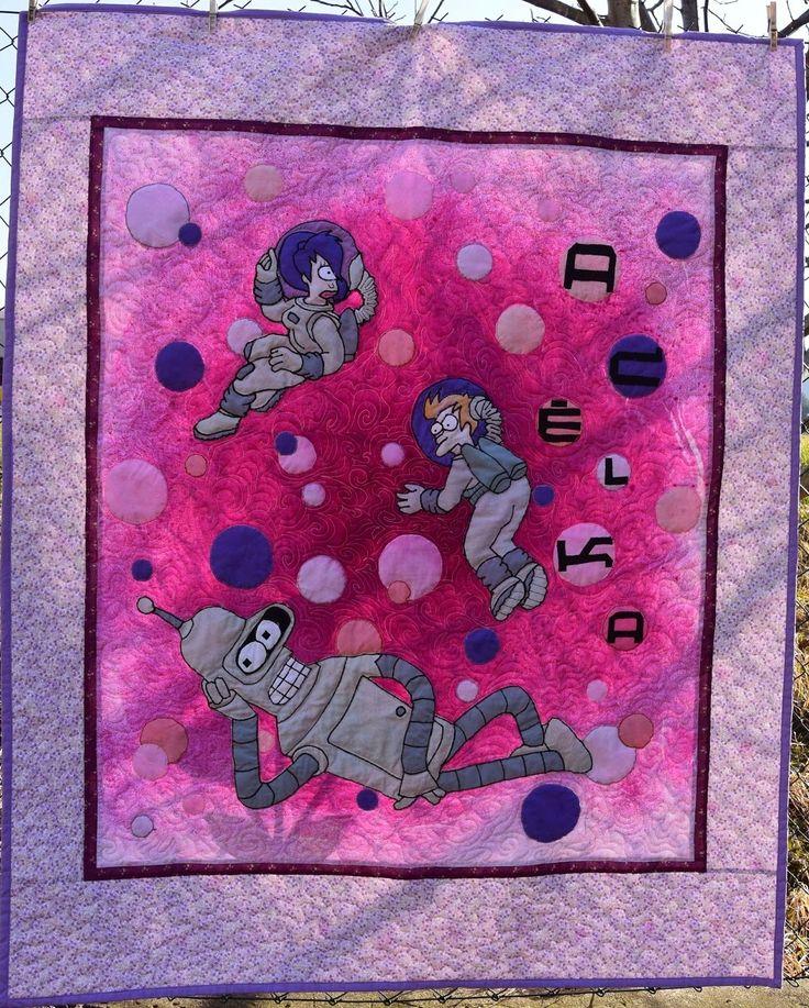 """Deka z lásky pro Adélku na téma Futurama. Našití okraje, proquiltování a finální kompletaci provedla Alenka """"Vave"""" z Prahy. Bender, Futurame, quilt, patchwork, baby blanket."""