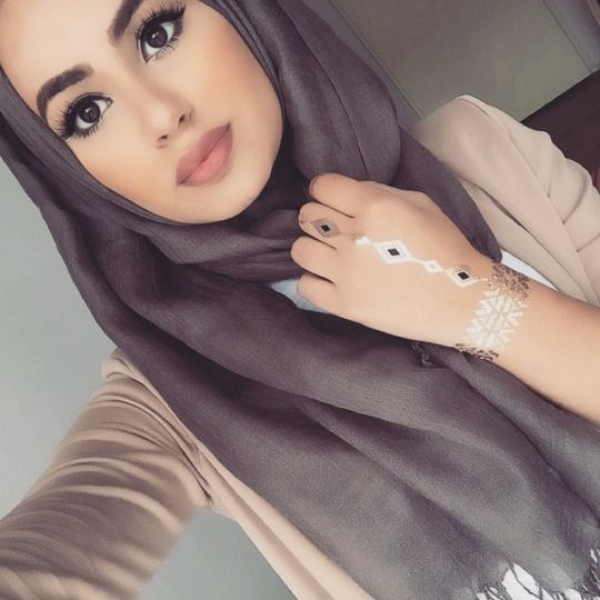HIJAB IS MY CROWN, FASHION IS MY PASSION, ENJOY (: : Photo