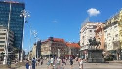 [Croatie] Zagreb-Centre - Parc Maksimir - Bords de la Sava Un petit itinéraire pour se promener à VTT dans Zagreb (capitale de la Croatie), itinéraire expérimenté durant des vacances sur place en août 2016.  Un petit passage dans le centre. Vous pouvez faire mieux, mais nous l'avions déjà fait à pied la veille.  Petit tour dans le parc Maksimir. En bordure des grands chemins, vous pourrez trouver quelques petits singles, rien d'extraordinaire mais de quoi s'amuser un peu.  On traverse…