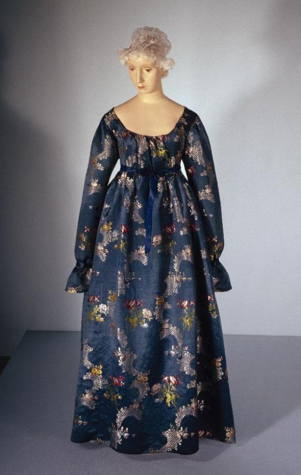 Dress, c. 1797-1800. Gemeentemuseum Den Haag.