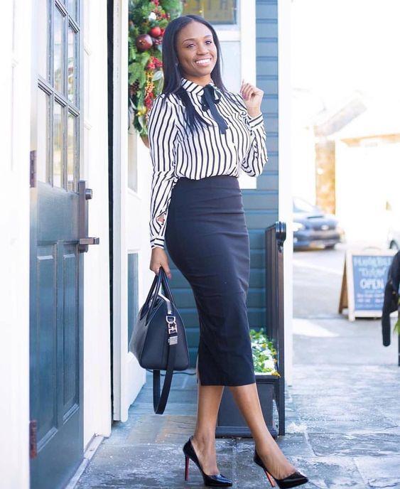 c1088a45c6faa Siyah Kalem Etek Kombinleri Siyah Midi Boy Etek Beyaz Çizgili Desenli  Gömlek #pencilskirt #skirt #outfits #bleistiftrock