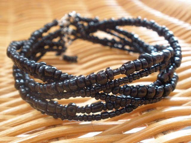 CaramELLE et Marabout: bracelet en fil à mémoire de forme