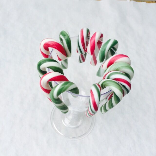 Easy centrepiece with candy canes. The kids loved this.