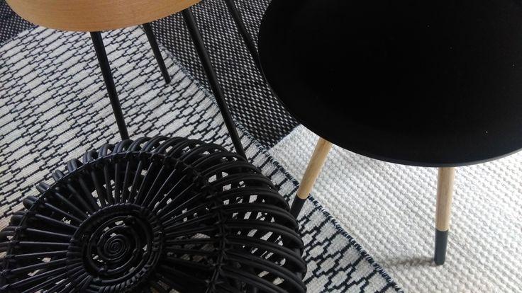 Vloerkleden combineren. Anna en Celine  # Black&White
