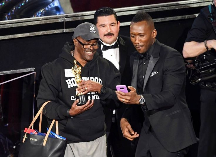 Host Jimmy Kimmel invited tourists, complete with selfie sticks and all, into the Oscars 2017 ceremony.