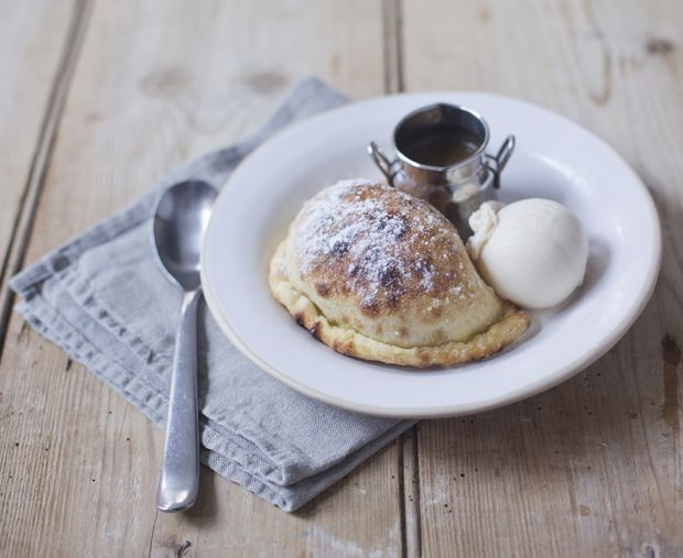 Chocolate & Banana Calzone | Discover New Favourites with the Zizzi Spring Menu 2014 #ZizziFavourites