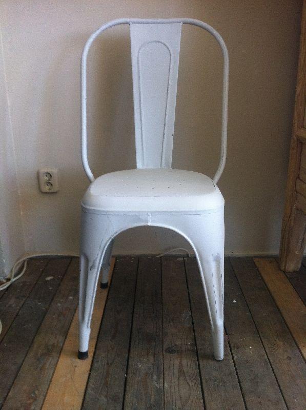 Stoere industriële metalen vintage jaren 30 style stoelen, ook zeer geschikt voor horeca, tuin of aan keukentafel.  Meuelasia verkoopt via groothandel en aan particuliere klanten. Doordat Meubelasia zelf rechtstreeks uit Azië import, kunnen wij onze producten tegen aantrekkelijke lage verkoopprijzen aanbieden.