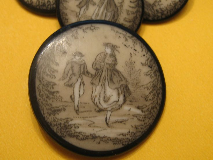 RARE EARLY FRENCH FAREWELL  BUTTON