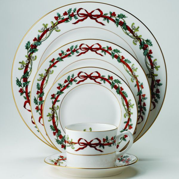 Royal Worcester Holly Ribbons - Gorgeous match with Spode Christmas Rose