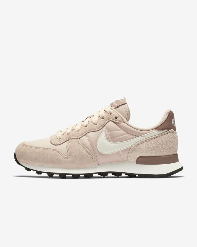 purchase cheap 73ed3 b71f3 Nike Internationalist Womens Shoe