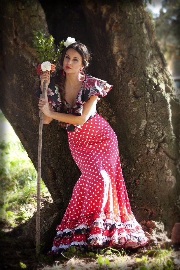 moda flamenca_ rociera(Repineado x @ljimenez1981)