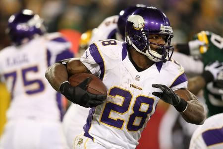 Odds for NFL's Top 10 Running Backs to Break the 2,000 Yard Mark in 2013