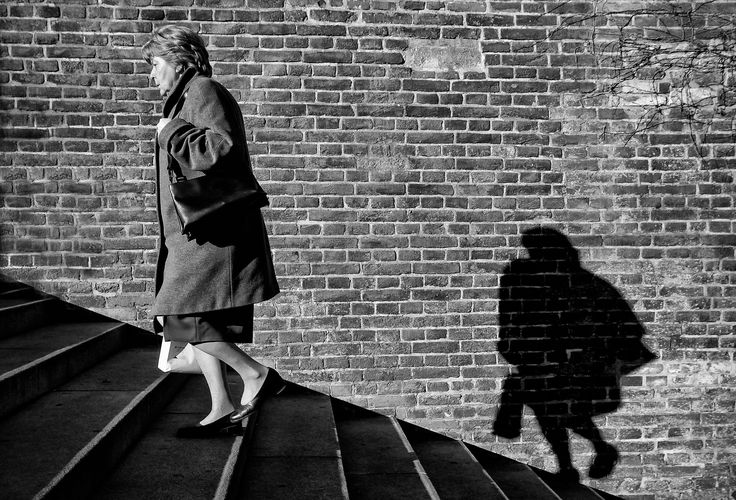 Being chased by one's shadow - Praag 2008