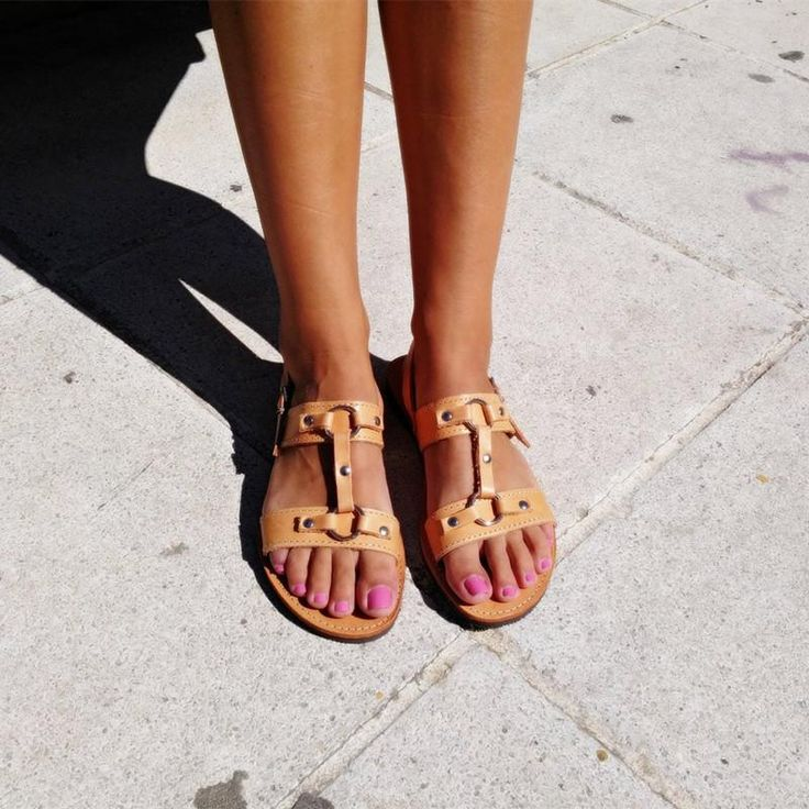 Fashion Open Toed Rivets Decorated Flast Sandal