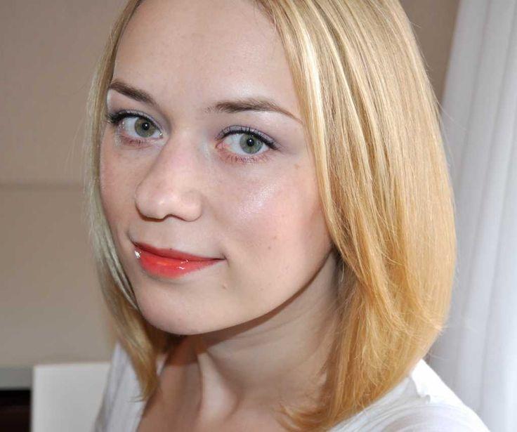 Everyday makeup for light skin :: one1lady.com :: #makeup #eyes #eyemakeup