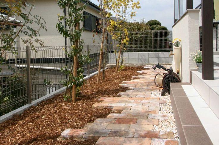レンガアプローチとテラス屋根でおしゃれ&快適リフォーム | 施工事例 | 神戸で外構・エクステリアのことならひまわりライフへ♪