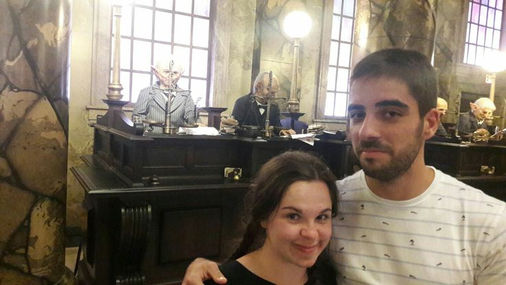Orlando. Harry potter amusement park. Gringotts bank