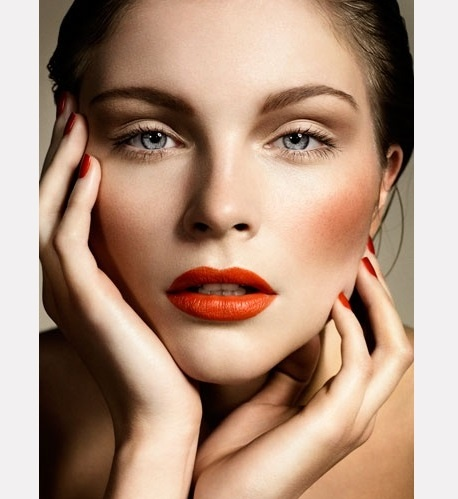 Love the lip color.  10 (More) Magazines With Awesome Pinterest Accounts