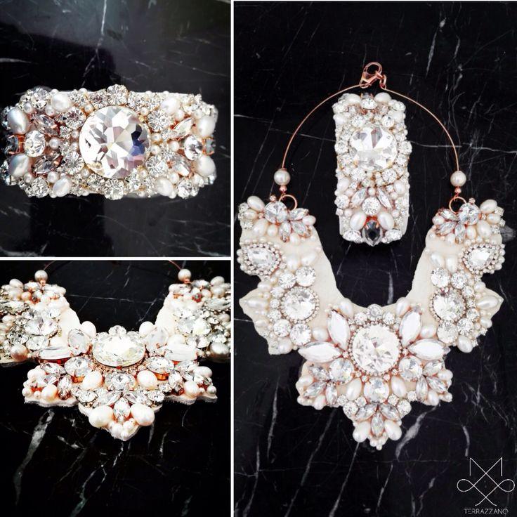 Gioielli handmade in cuoio Romano,Argento 925,perle di fiume e cristalli....! Info saeiva@hotmail.it