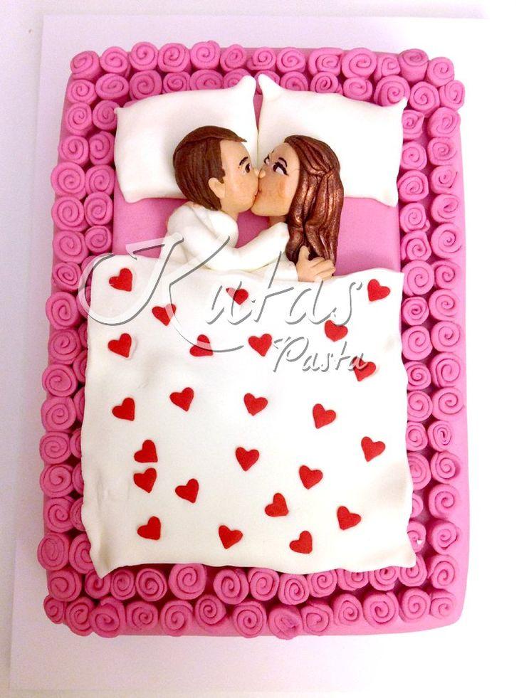 Sevgililer Günü Pastası - St Valentines Cake in bed - Yatakta Çift Pastası