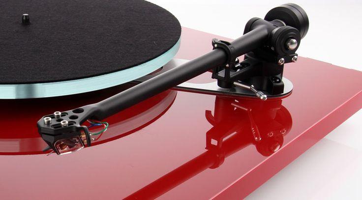 Eine Reihe an Neuheiten steht bei Rega Research auf dem Plan! So darf man mit einem neuen MC Tonabnehmer-System ebenso rechnen, wie mit einer neuen, speziell für besagtes MC-System optimierten Phono-Vorstufe.