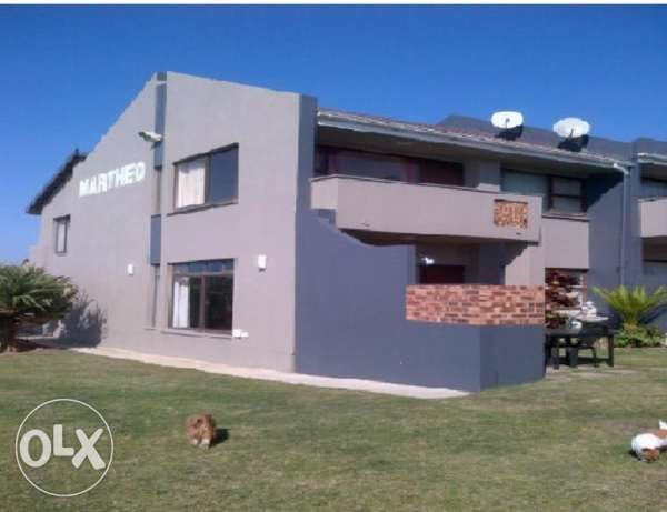 R  1,500,000: Exquisite Beach front Duplex for Sale in Margate! This beautiful beachfront unit is situated in a secure complex in Margate! Consisting of 3 Bedrooms, 2.5 Bathrooms, Open Plan Lounge, dining room and...