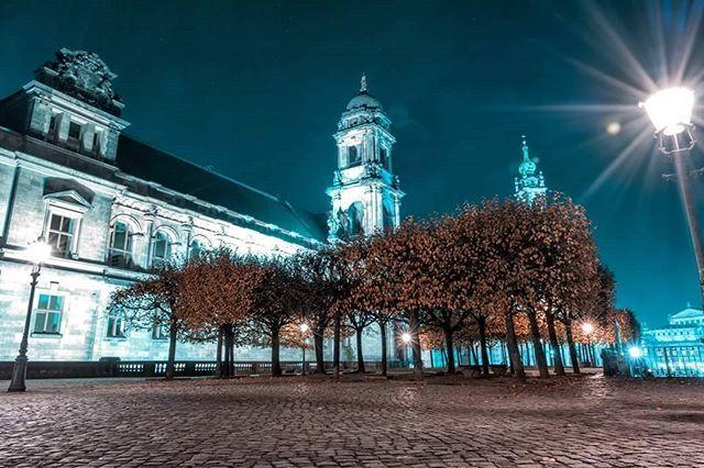 Dresden Blues.  ______________________________  Photographer //Josh Zed/ Joshua Alan Zermeno  Youtube // youtube.com/user/FoolhardyPhotography  H A S H T A G // #Foolhardyphotography . . . . #neverstopexploring #longexposure_shots #agameoftones #fall #ig_masterpiece #longexpo #magicpict #ig_nightphotography #astrophotography #splendid_xposure #canon70d #dresdengram #icu_architecture #macrodrops #creative_architecture #arkiromantix #tv_architectural #archimasters #excellent_structure…
